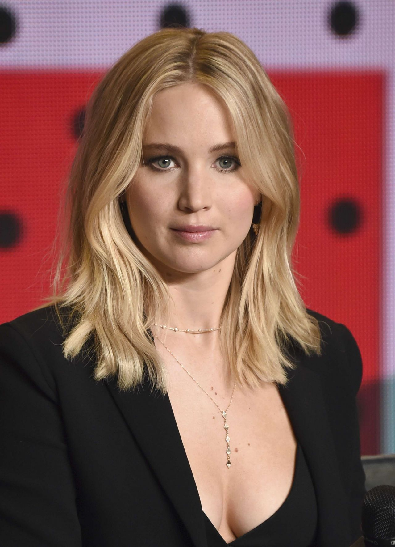 Jennifer Lawrence - 'Mother!' TIFF 2017 Photocall & Conference