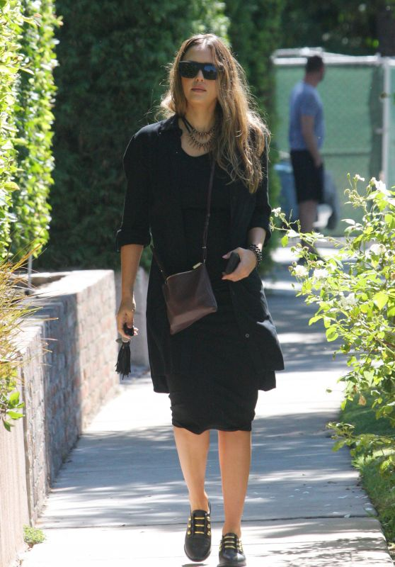 Jessica Alba Looks Stylish - West Hollywood 09/24/2017