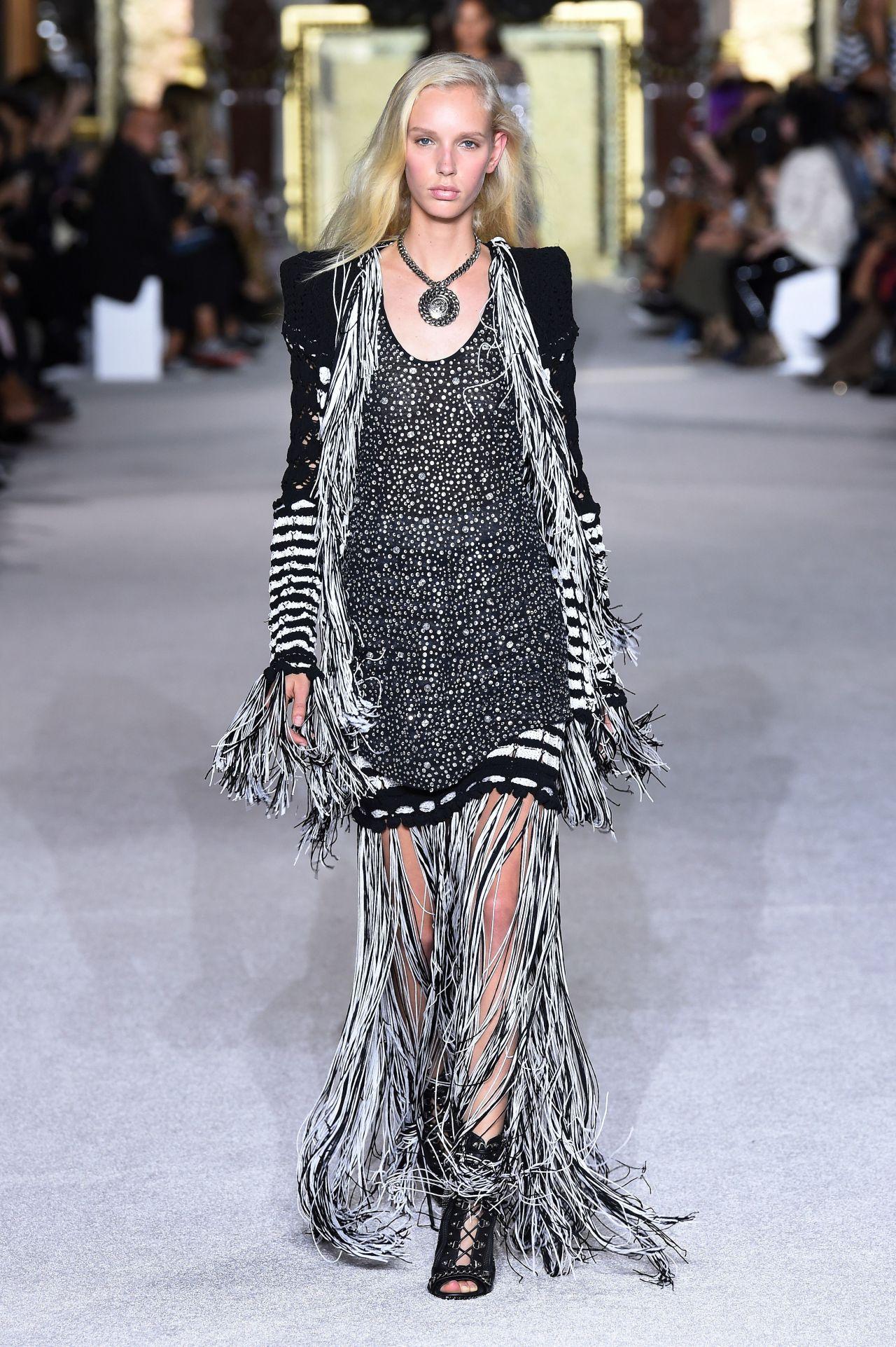 Jessie Bloemendaal – Balmain Fashion Show in Paris 09/28/2017