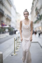 Josephine Skriver and Jasmine Tookes Arrive at the Ritz Hotel in Paris 09/29/2017