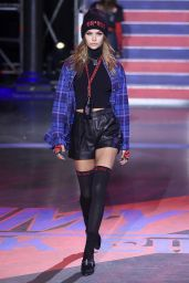 Josephine Skriver – Tommy Hilfiger Fashion Show in London 09/19/2017