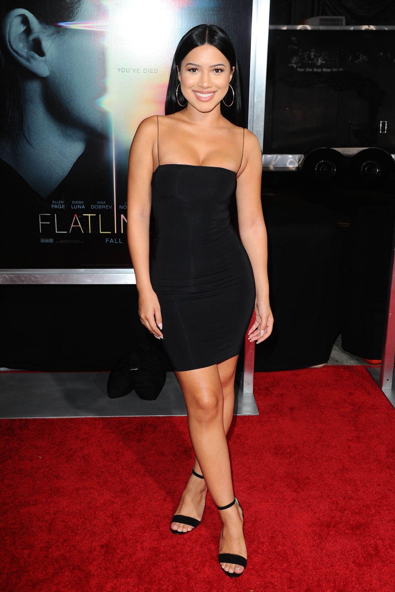 Julia Kelly Flatliners Premiere In Los Angeles 09 27 2017
