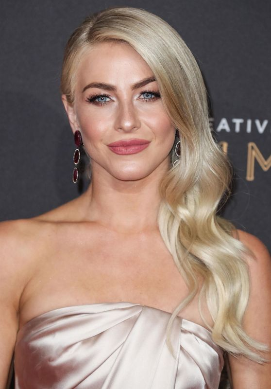 Julianne Hough – Creative Arts Emmy Awards in Los Angeles 09/09/2017