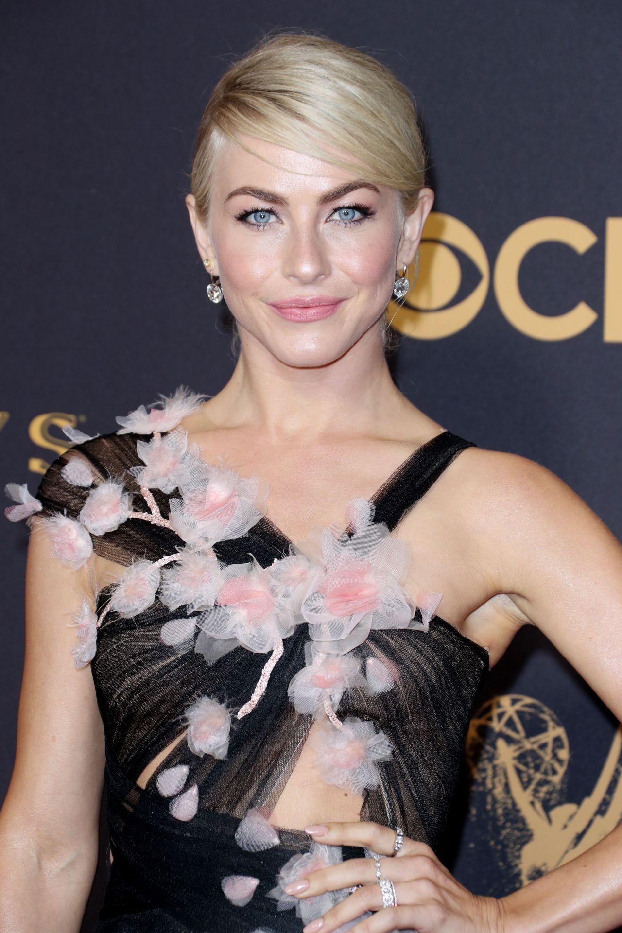 Julianne Hough Emmy Awards In Los Angeles 09 17 2017