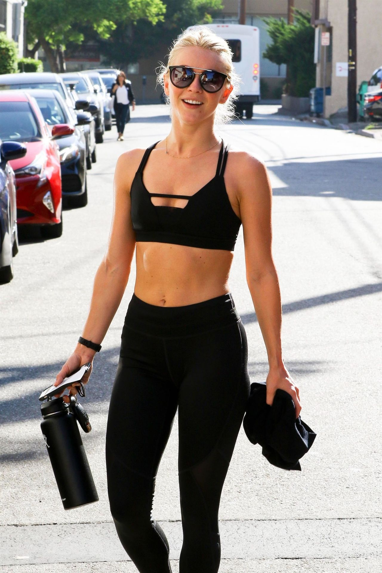 Julianne hough in workout gear studio city naked (64 photo), Sideboobs Celebrites image