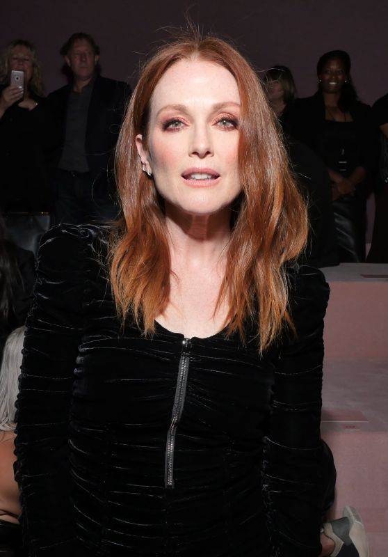 Julianne Moore at Tom Ford Show – NYFW in NYC 09/06/2017