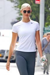 Karlie Kloss in Tights - Hits the Gym in NYC 09/12/2017