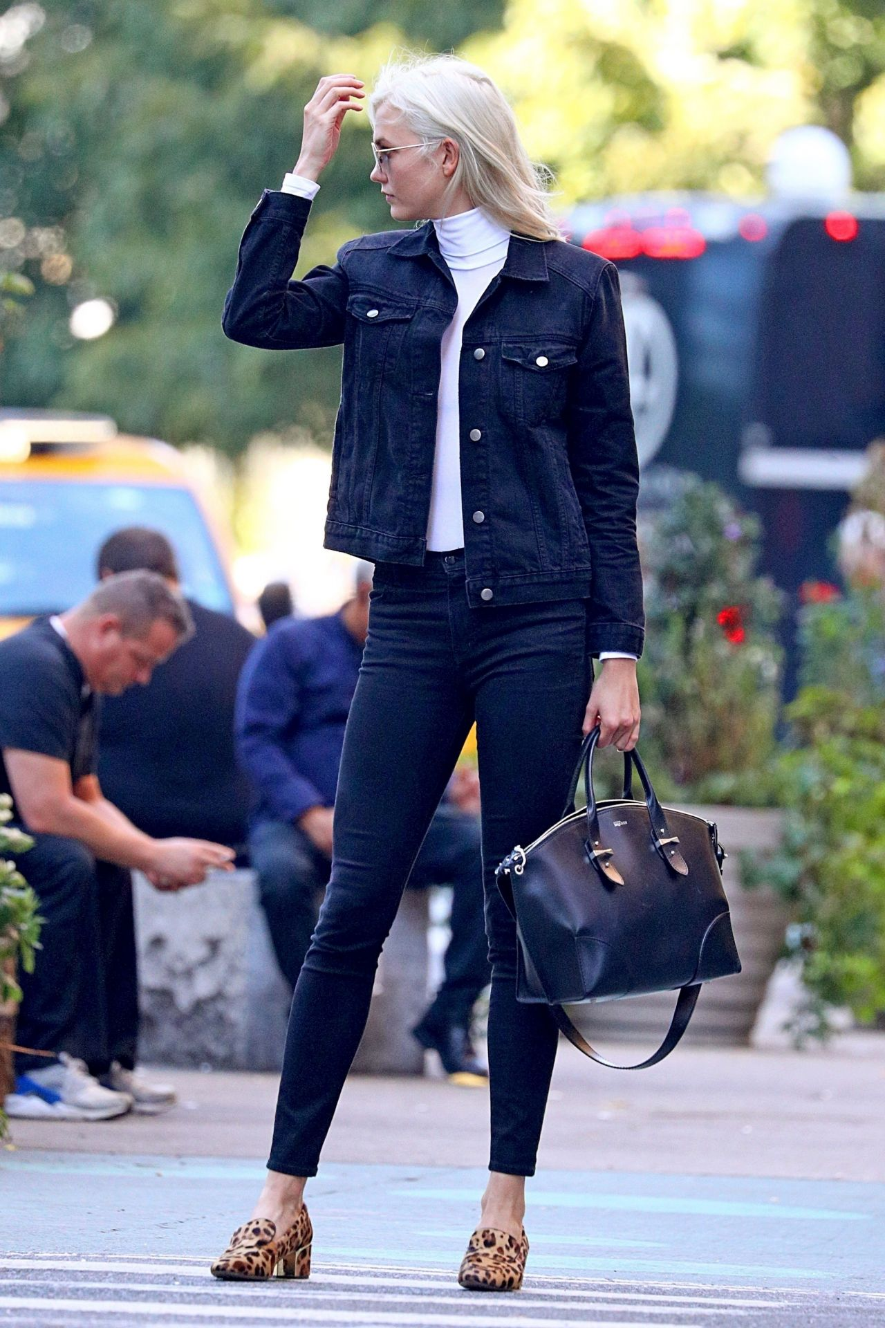 Karlie Kloss is Stylish - New York 09/22/2017