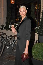 Karlie Kloss - Leaves the Royal Monceau Hotel in Paris 09/27/2017