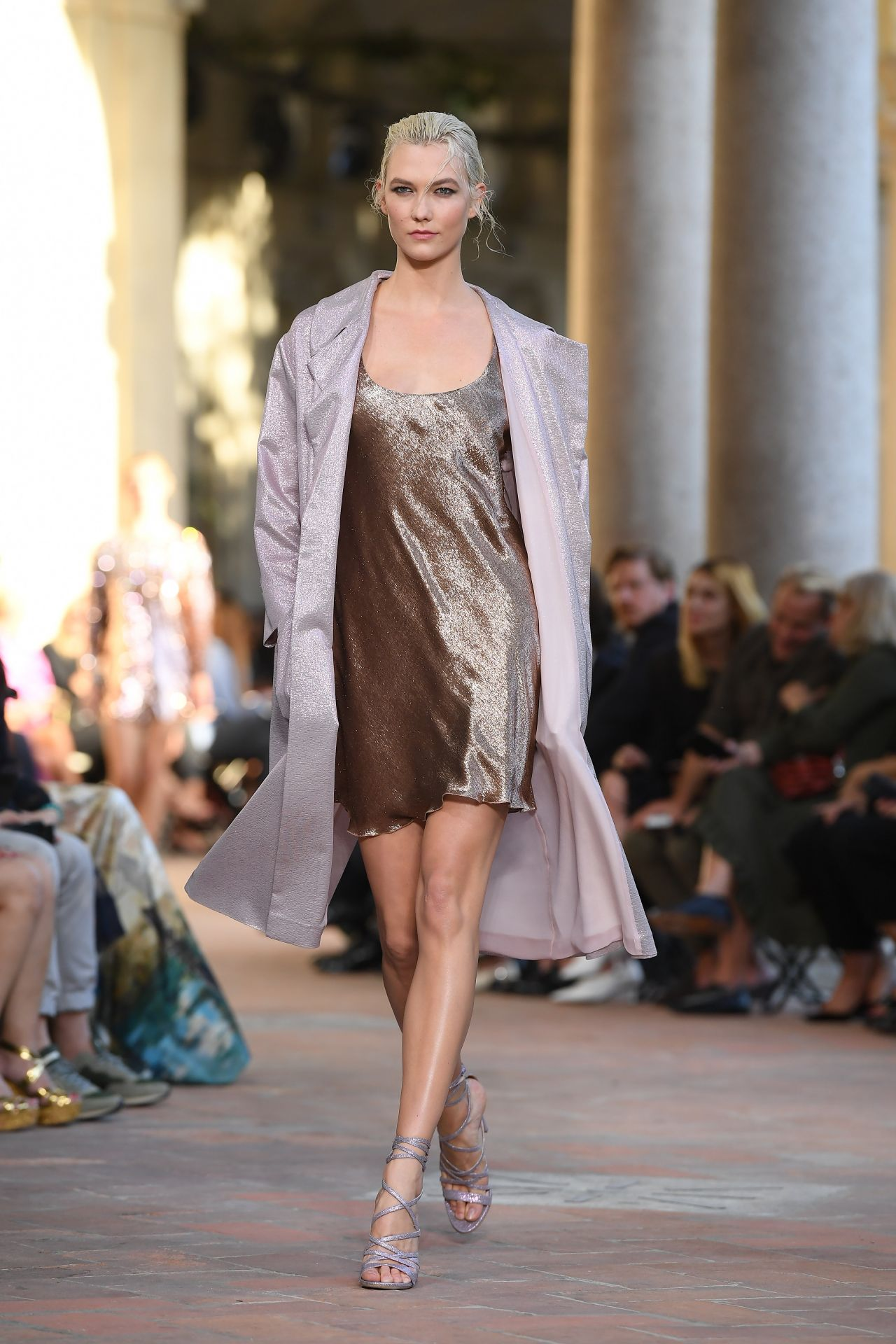 Karlie Kloss Walks Alberta Ferretti Show in Milan 09/20/2017