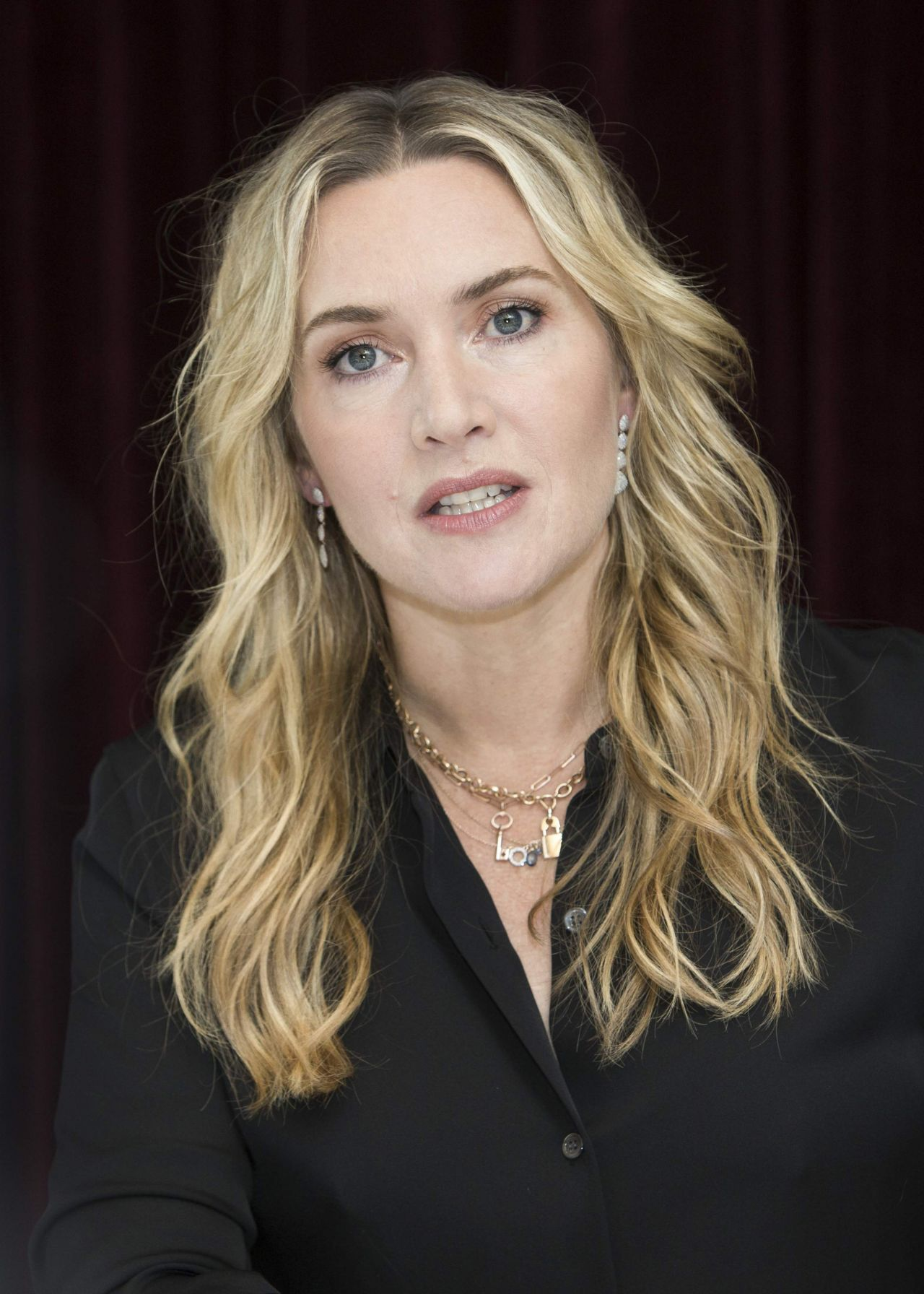 Kate Winslet Quot The Mountain Between Us Quot Photocall In