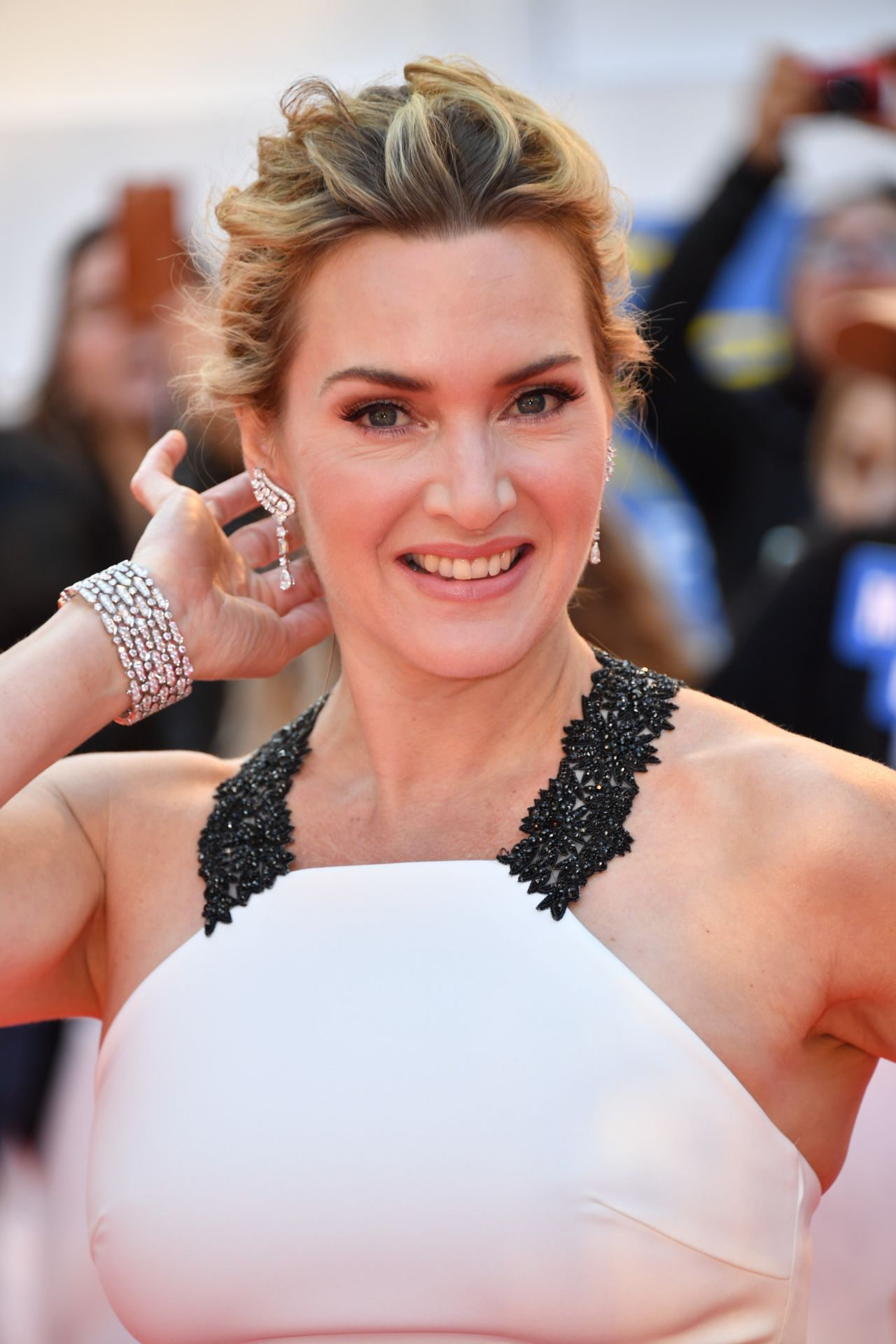 "Kate Winslet - ""The Mountain Between Us"" Premiere at TIFF ..."