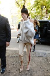 Kendall Jenner - Out in Milan, Italy 09/21/2017