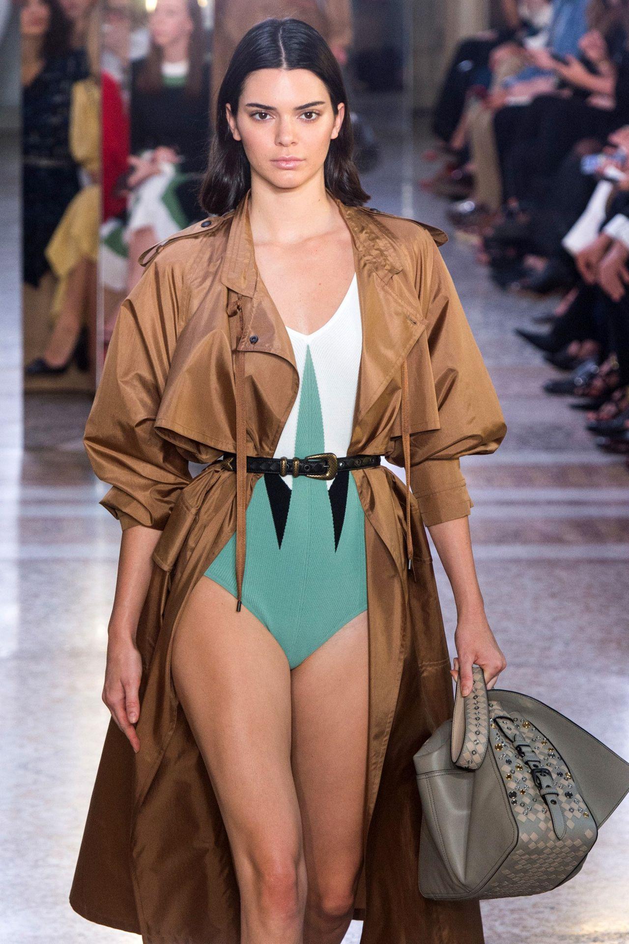 Kendall amp kylie jenner fap challenge teens bikini wank 4
