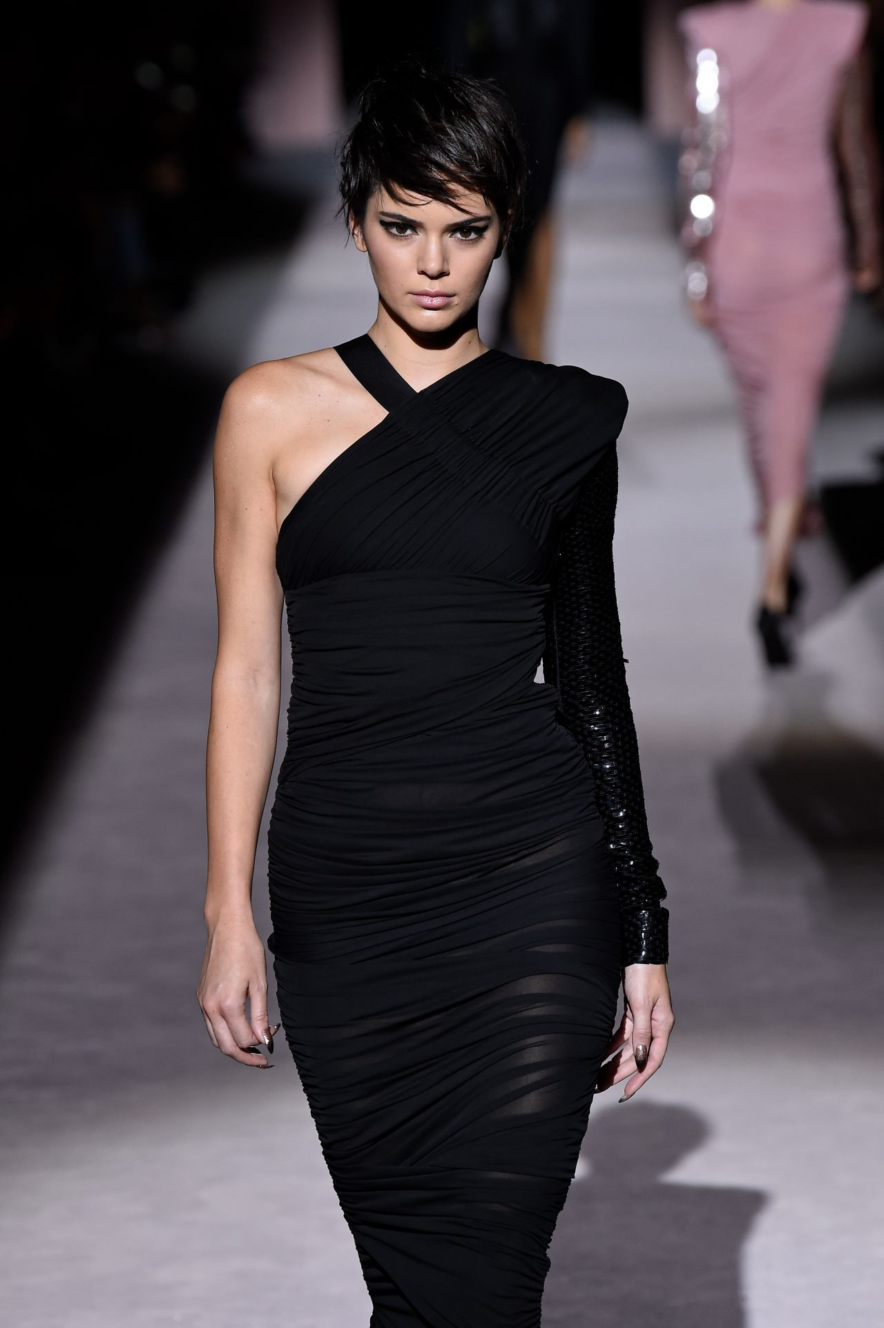 kendall jenner walks tom ford spring summer 2018 show nyfw in nyc 09 06 2017. Black Bedroom Furniture Sets. Home Design Ideas