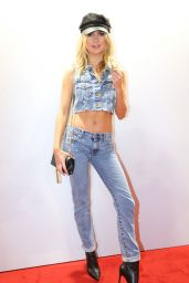 """Kimberley Garner – Fashion Scout """"One To Watch"""" Show in London 09/15/2017"""