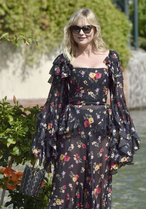 Kirsten Dunst - Arrives at Excelsior Hotel in Venice, Italy 09/04/2017