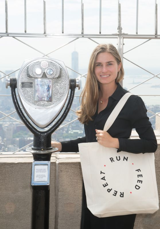 Lauren Bush - Lights the Empire State Building in New York 09/13/2017