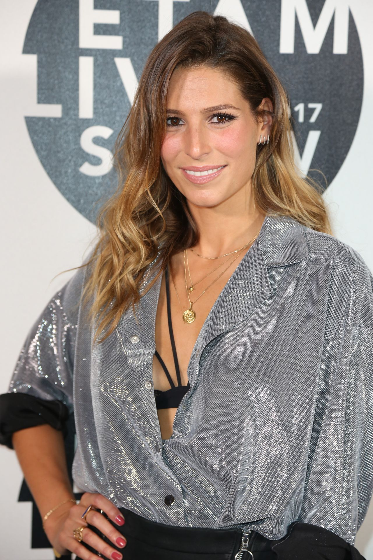 Laury Thilleman Nude Photos 13