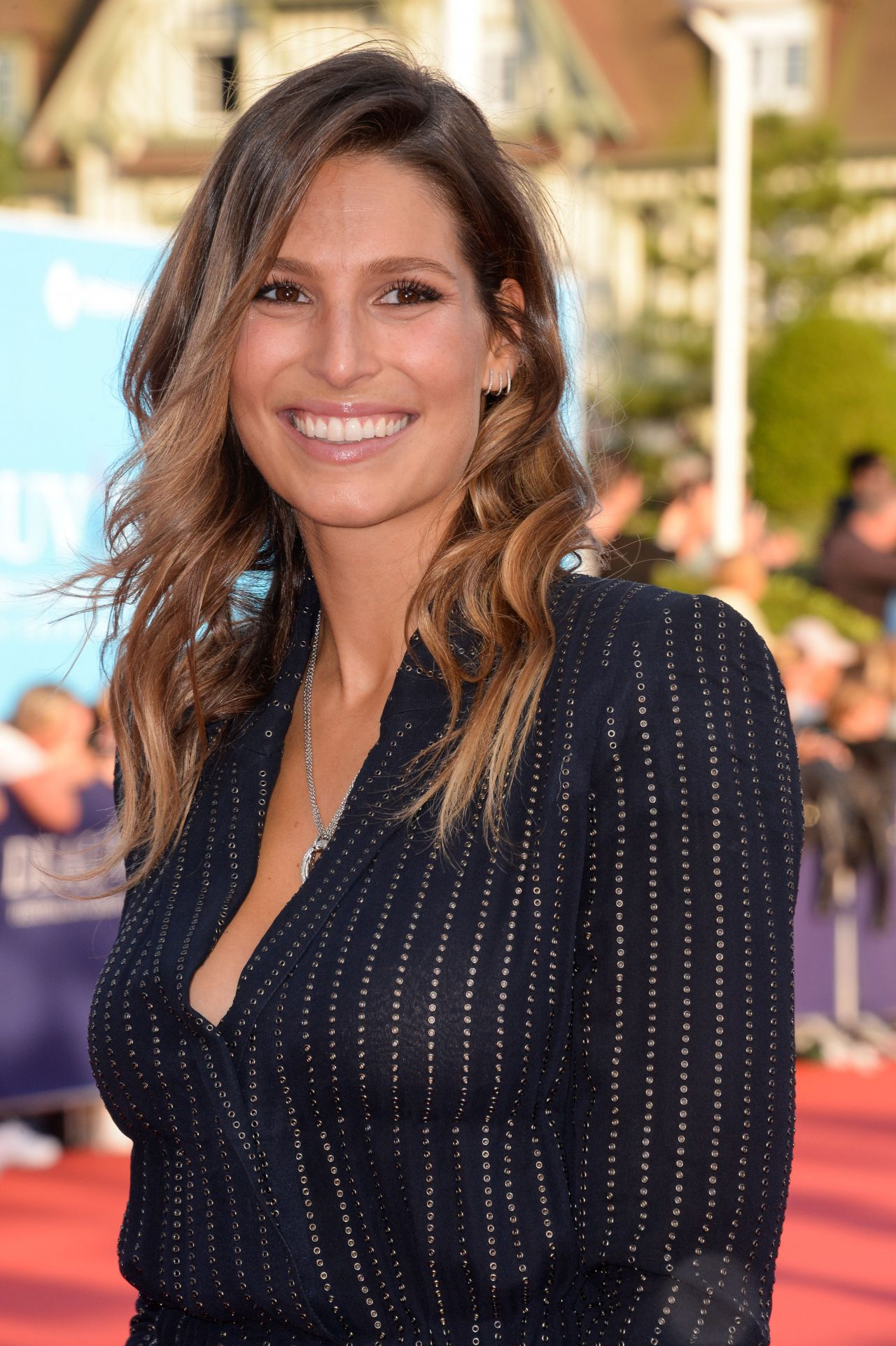Laury Thilleman Nude Photos 30