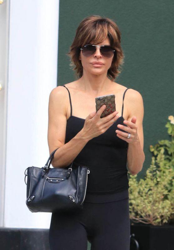 Lisa Rinna - Running Errands Around Hollywood 09/02/2017