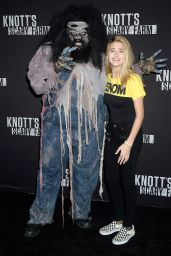 Lizzy Greene – Knott's Scary Farm Celebrity Night in Buena Park 09/29/2017