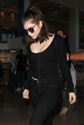 Lorde - LAX Airport in Los Angeles 09/21/2017