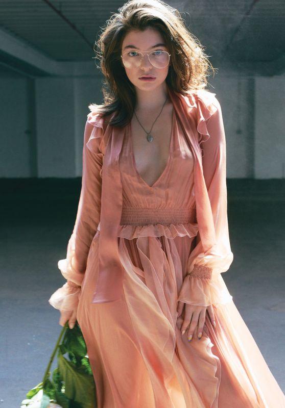 Lorde - Photoshoot for Fashion Magazine - September 2017