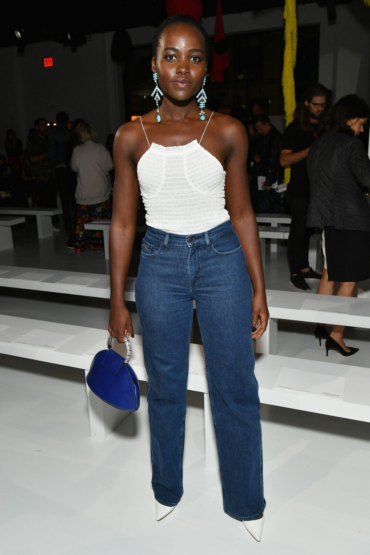 lupita nyongo at calvin klein collection fashion show
