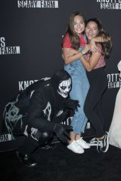 Maddie Ziegler – Knott's Scary Farm Celebrity Night in Buena Park 09/29/2017