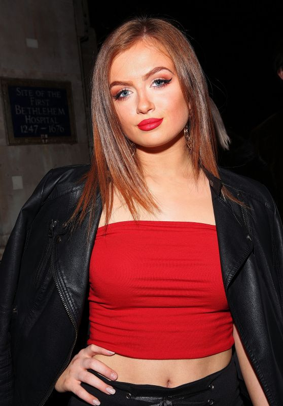 Maisie Smith Latest Photos Celebmafia