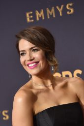 Mandy Moore – Emmy Awards in Los Angeles 09/17/2017