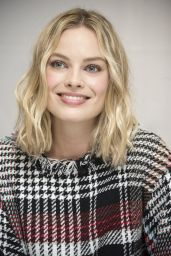"Margot Robbie - ""Goodbye Christopher Robin"" Press Conference in London 09/19/2017"