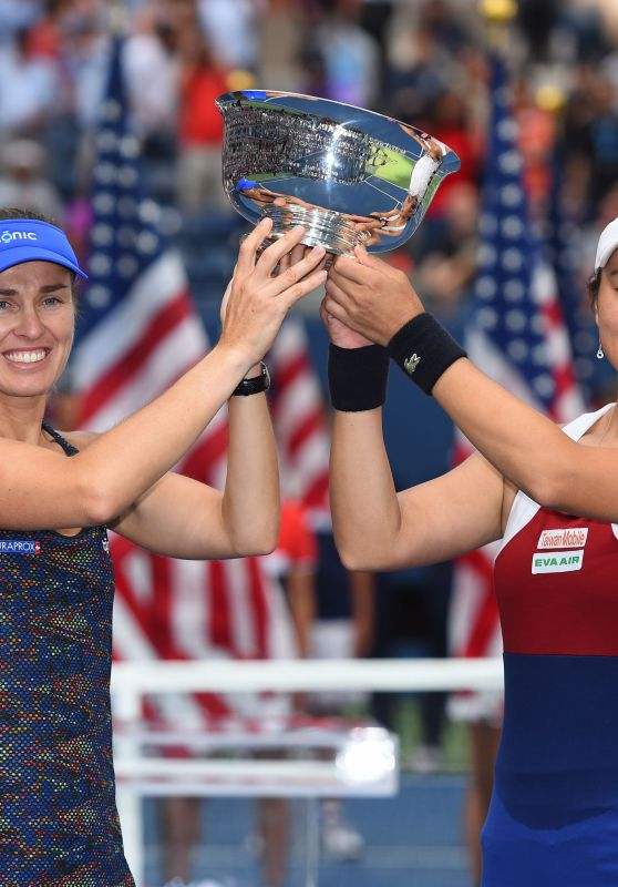 Martina Hingis & Yung-Jan Chan - US Open Women