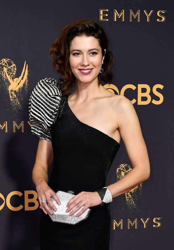 Mary Elizabeth Winstead – Emmy Awards in Los Angeles 09/17/2017