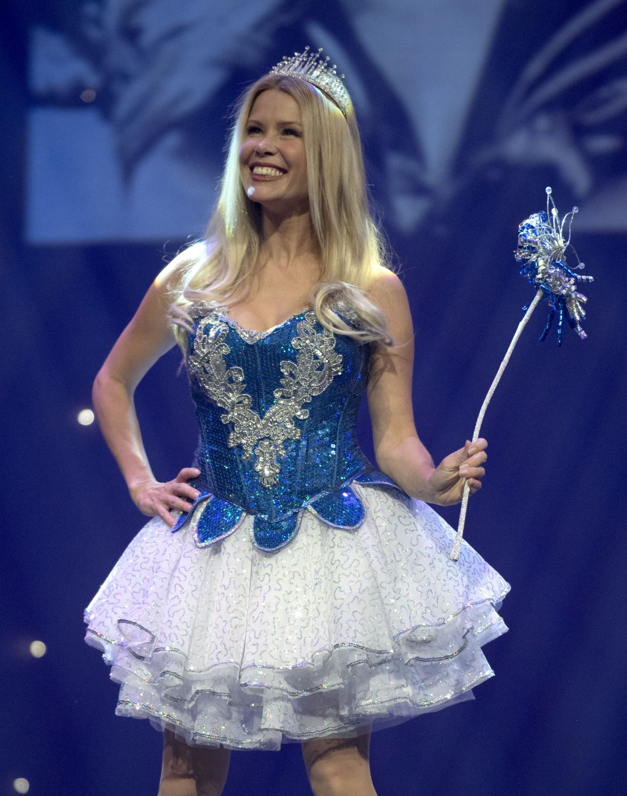 pictures Melinda messenger snow white panto photocall in southsea portsmouth