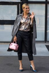 Michelle Hunziker - Trussardi Fashion Show in Milan 09/24/2017