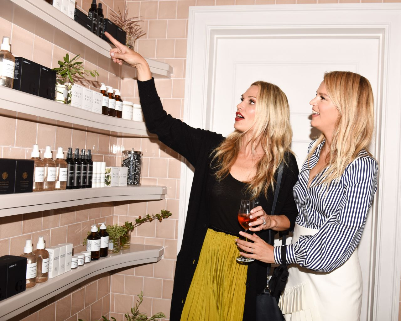 Molly Sims – The Opening OF Goop Lab in Los Angeles 09/14/2017