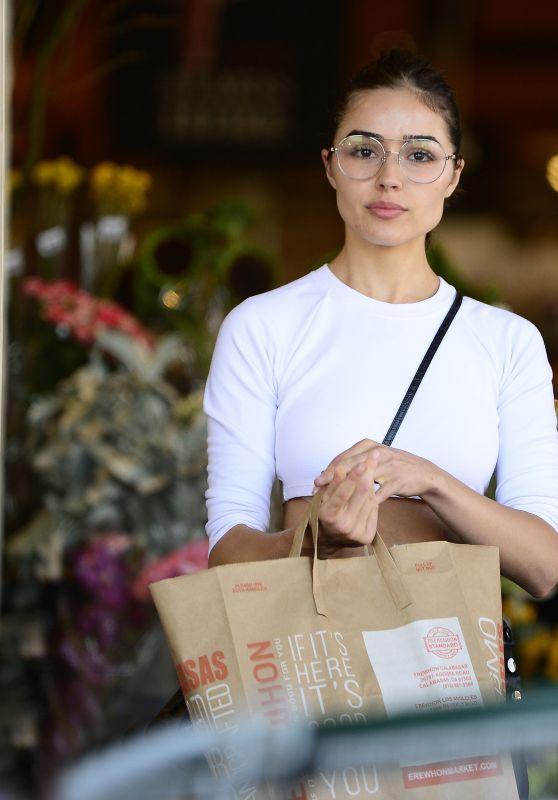 Olivia Culpo - Leaving Erewhon Natural Foods in LA 09/19/2017
