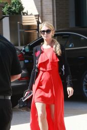 Paris Hilton - Shopping at Barneys New York in Beverly Hills 09/22/2017