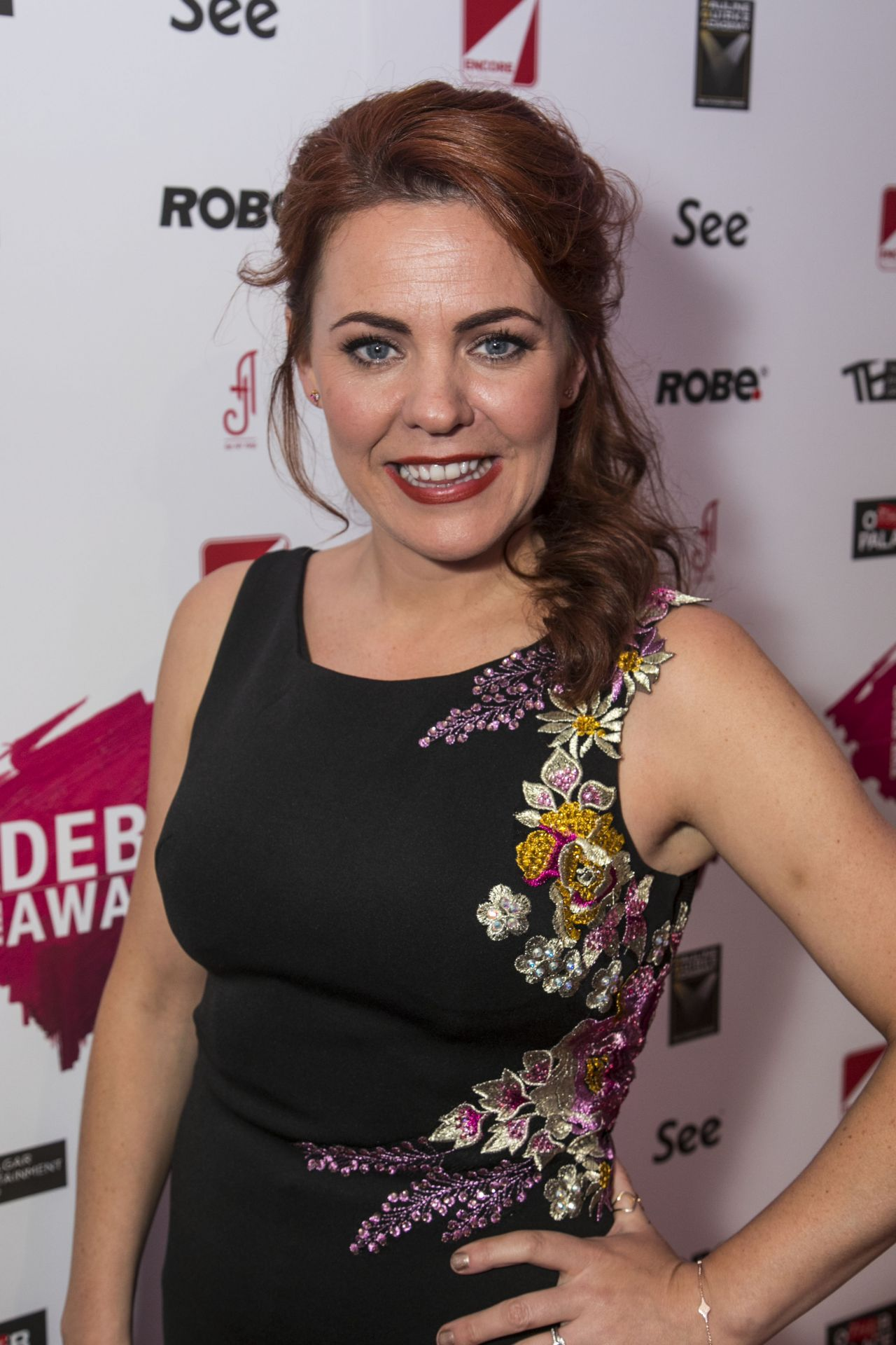 Rachel Tucker Nude Photos 17
