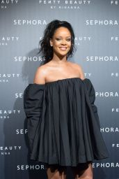 Rihanna - Fenty Beauty By Rihanna Paris Launch Party 09/21/2017