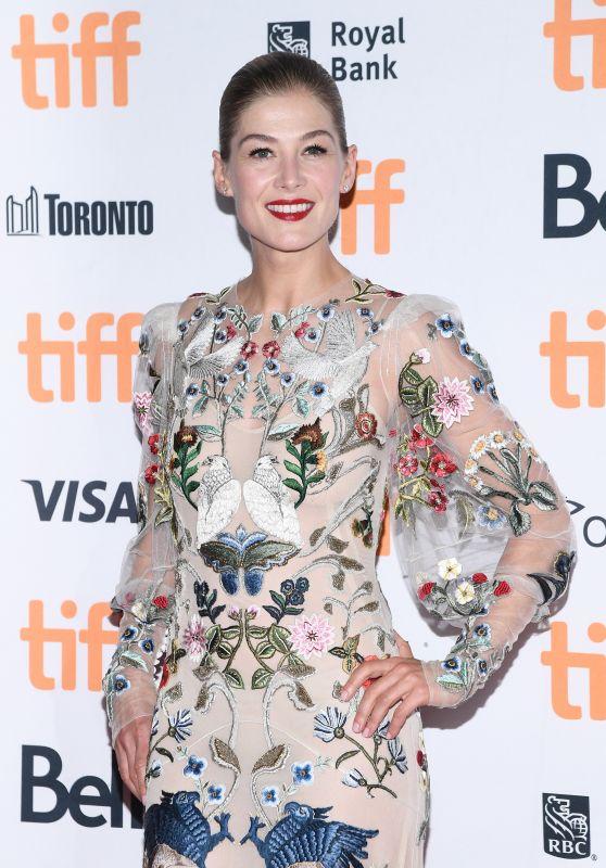 """Rosamund Pike - """"Hostiles"""" Premiere in Toronto 09/11/2017"""