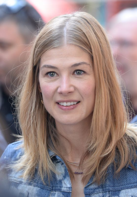 Rosamund Pike - Telluride Film Festival in Colorado 09/02/2017