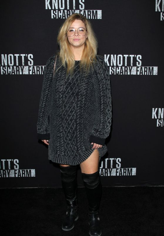 Sasha Pieterse – Knott's Scary Farm Celebrity Night in Buena Park 09/29/2017