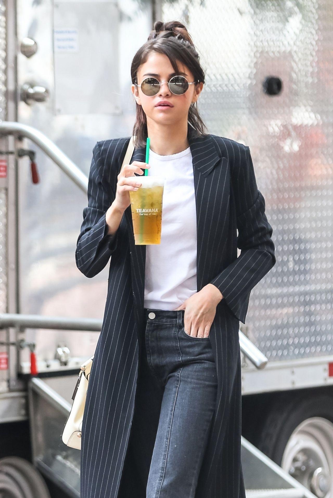 Selena Gomez - Woody Allen Film Set In Nyc 09212017-4546