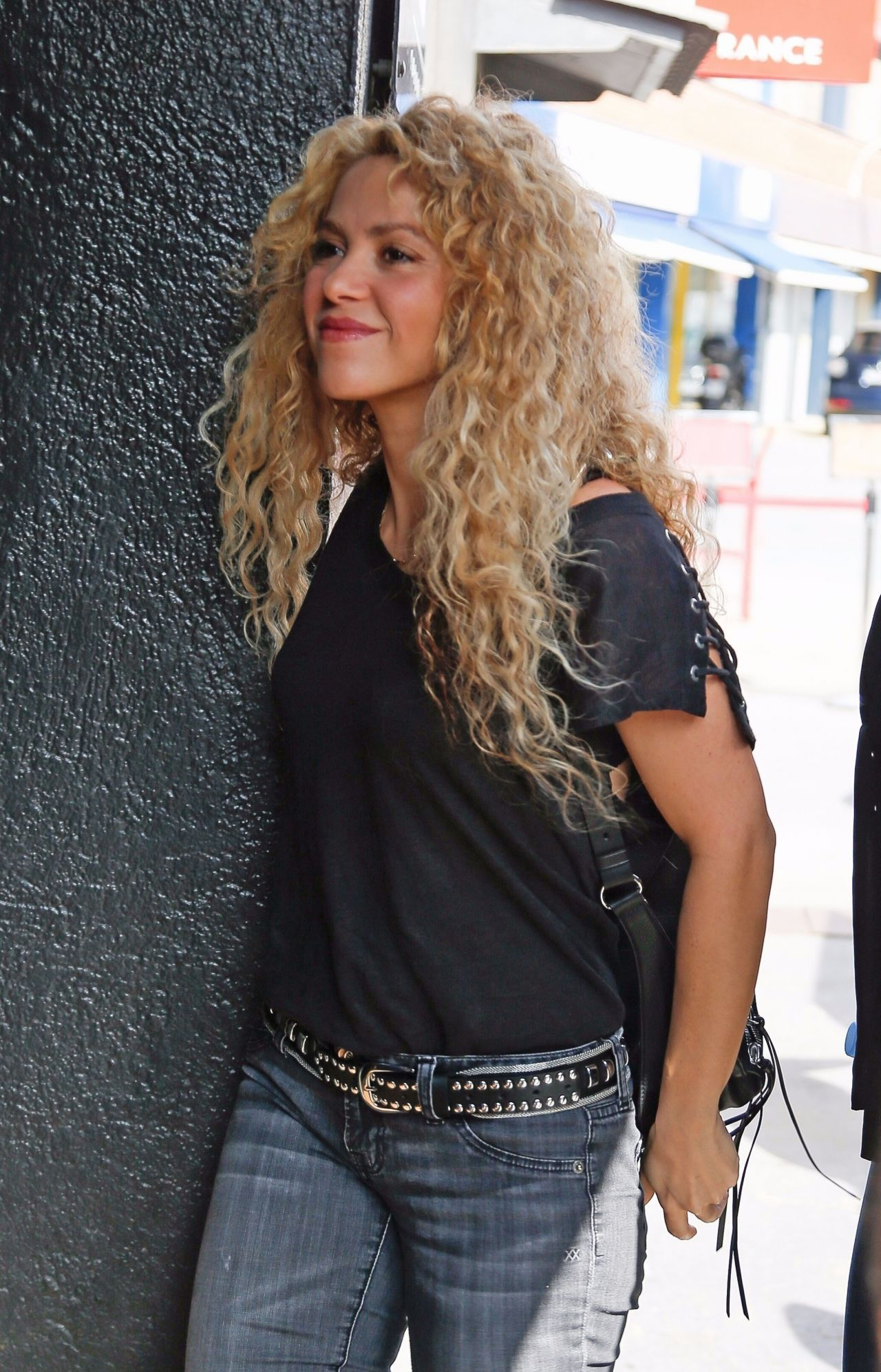 Shakira Casual Style Leaving Office Building In