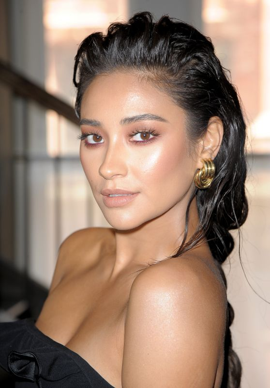 Shay Mitchell at Cinq A Sept Presentation - NYFW in New York City 09/07/2017