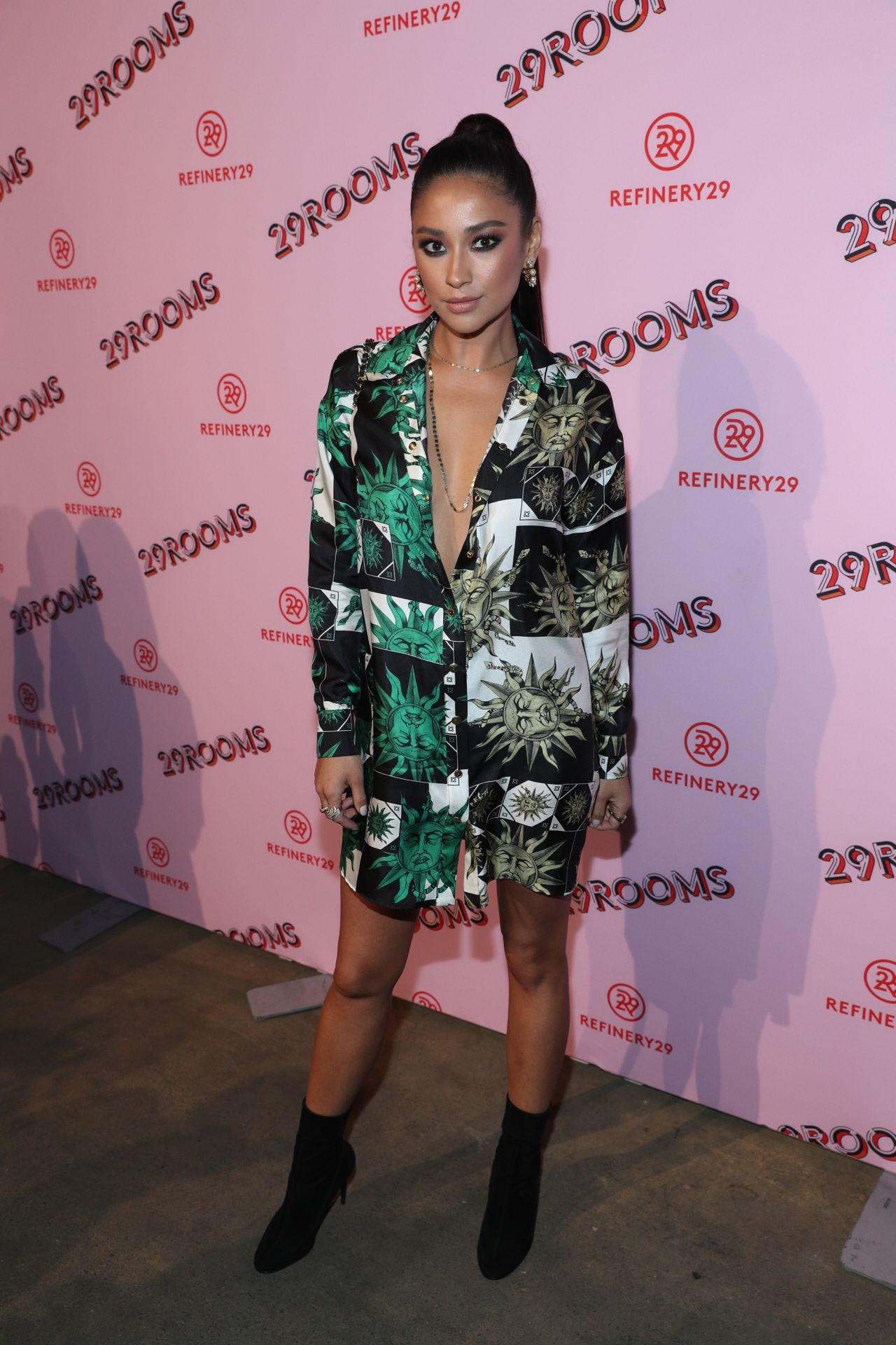 http://celebmafia.com/wp-content/uploads/2017/09/shay-mitchell-refinery29-third-annual-29rooms-turn-it-into-art-ny-09-07-2017-1.jpg