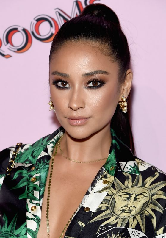 Shay Mitchell – Refinery29 Third Annual 29Rooms: Turn It Into Art, NY 09/07/2017